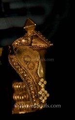 INDIAN-GOLD-EARRINGS-10