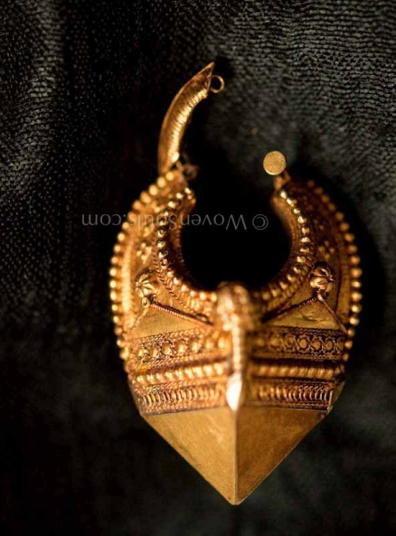INDIAN-GOLD-EARRINGS-5
