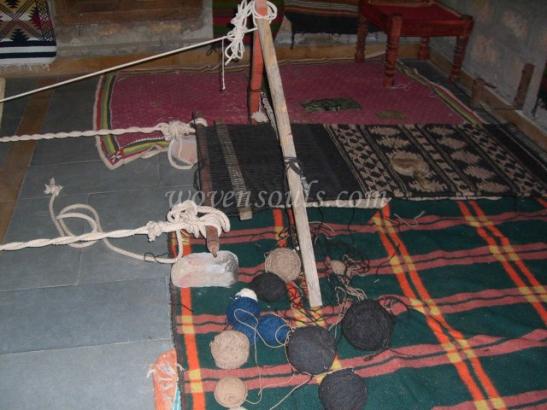 Wovensouls-hand-loom-photo-1