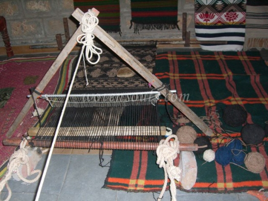 Wovensouls-hand-loom-photo-2