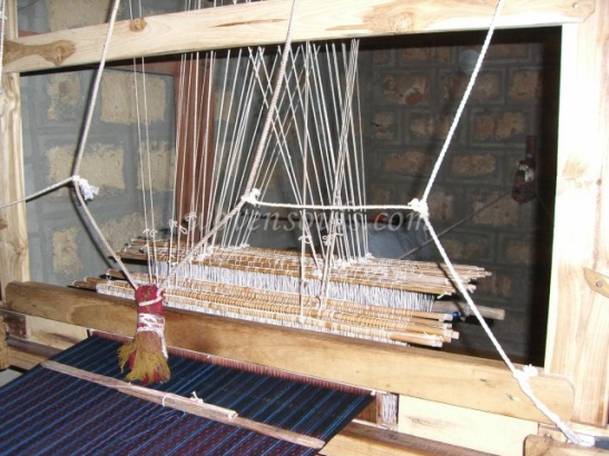 Wovensouls-hand-loom-photo-5