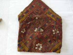 antique banjara pouch2
