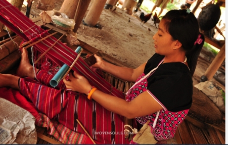 woman weaving loom backstrap1