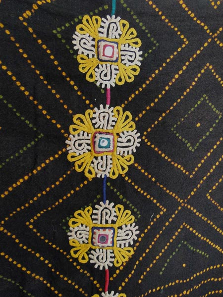 ANTIQUE RABARI LUDHI  SHAWL