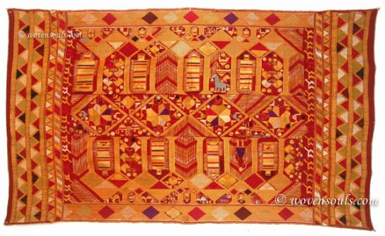 ANTIQUE DARSHAN DWAR PHULKARI TEXTILE PUNJAB INDIA EMBROIDERY