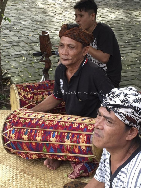LOMBOK ART- MUSIC &  WEAVING