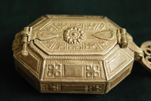 AJS-281 | ANTIQUE SILVER OPIUM BOX