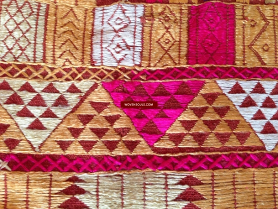 ATI-668 ANTIQUE BAGH PHULKARI TEXTILE EMBROIDERY PUNJAB INDIA